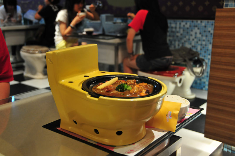 restaurantes temáticos - Modern Toilet